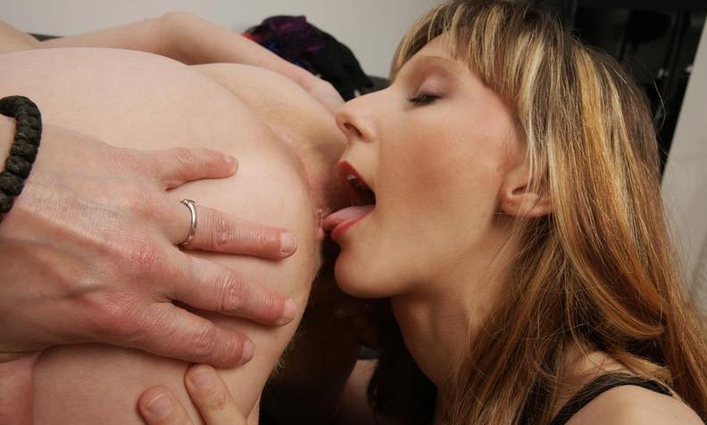 Анилингус от проститутки